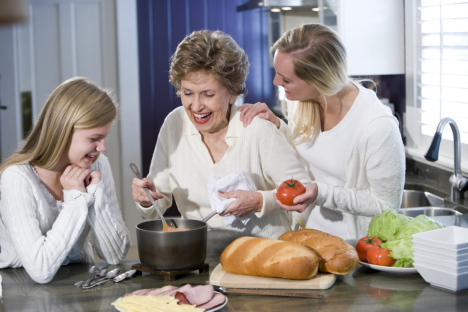 Fun Activities the Family Can Do with Elderly Loved Ones